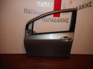 Toyota Yaris 2006-2011 πόρτα εμπρός αριστερή ασημί σκούρο